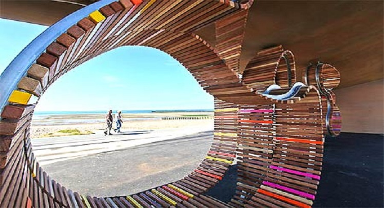 ליטל האמפטון – הספסל הכי ארוך מעץ