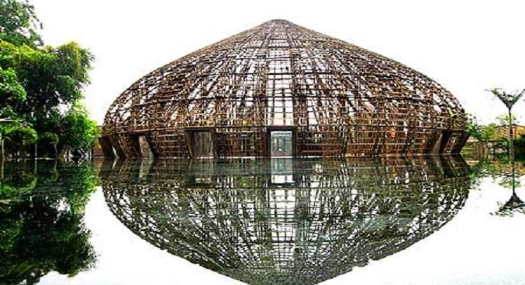 מבנה במבוק – פיתרון לאזורים מוכי שטפונות בוייטנאם