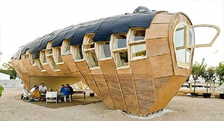 Fablab  – סטודנטים לארכיטקטורה בונים בעץ